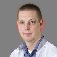 dr. R.  Moonen